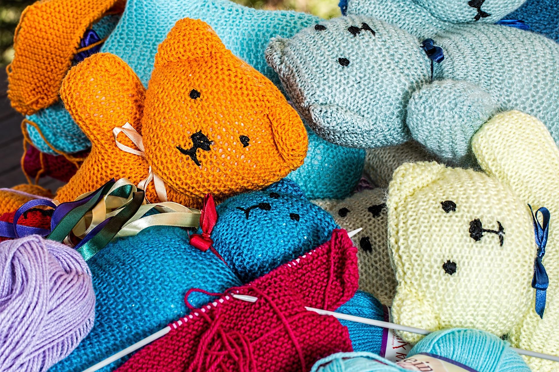Knitting stuffed animals
